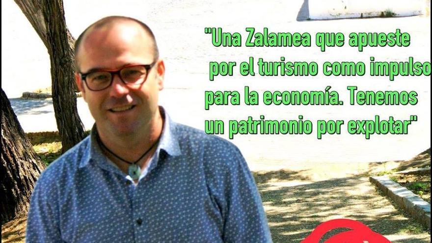 El concejal dimisionario, en la foto del cartel electoral.