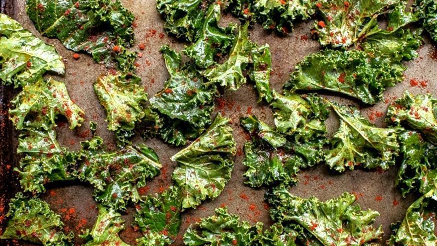 Atr vete a hacer estos crujientes y deliciosos chips de - Cocinar col kale ...