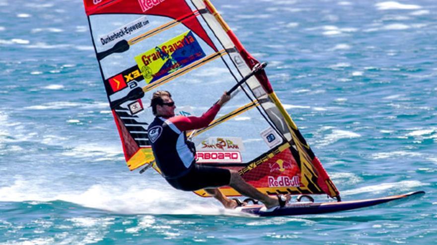 El windsurfista Bjorn Dunkerbeck.
