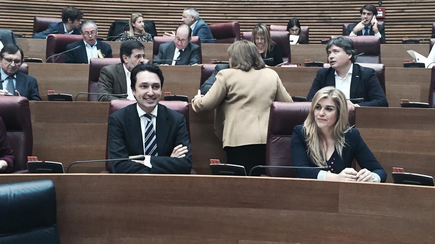 Vicente Betoret junto a Eva Ortiz, en las Corts Valencianes.
