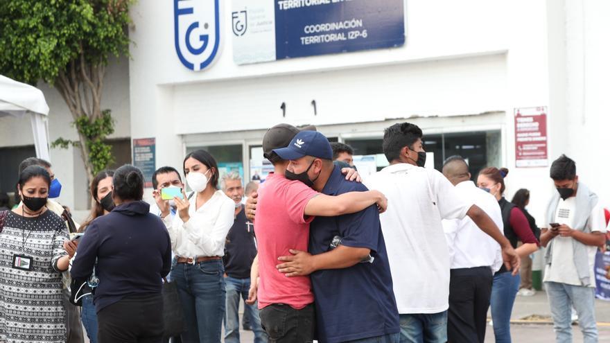 Hallan sin vida a niño desaparecido durante el desplome del metro en México