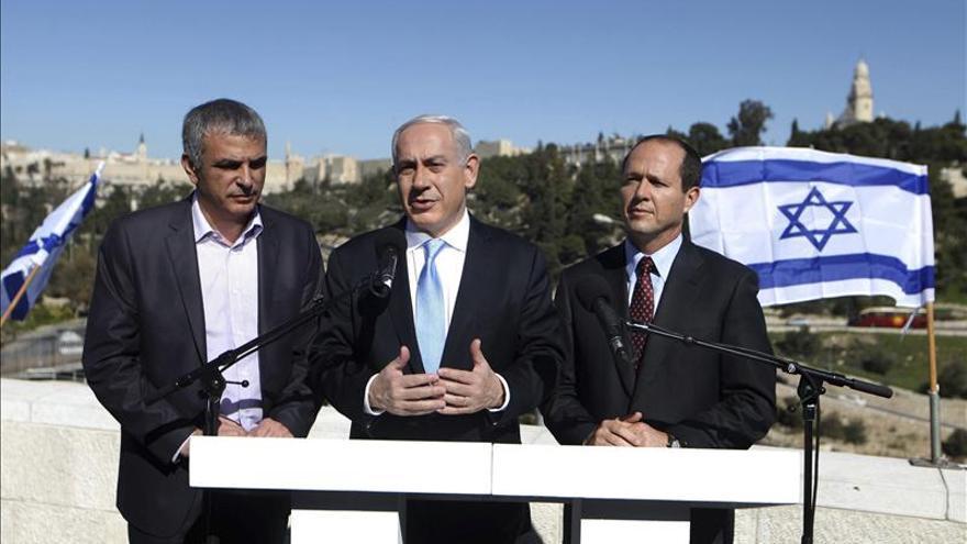 Netanyahu vota y pide a los religiosos moderados que apoyen al Likud