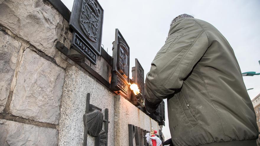 El pasado mes de febrero se retiraron unos escudos con simbología franquista del puente de Santiago