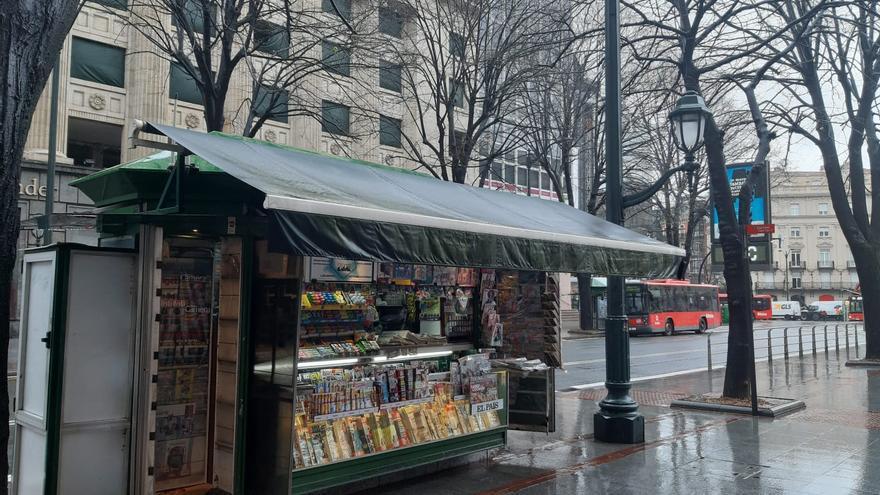 Imagen de uno de los kioscos de la Gran Vía de Bilbao