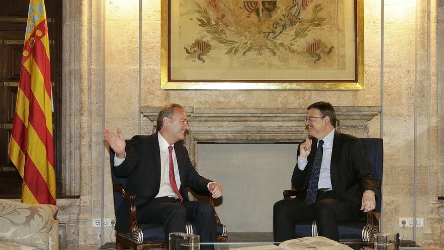 El president Alberto Fabra recibe al socialista Ximo Puig para abordar el traspaso de poderes en la Generalitat