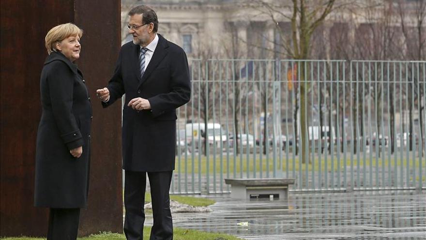 """Rajoy se ve fuerte y reitera la falsedad de los """"papeles de Bárcenas"""""""