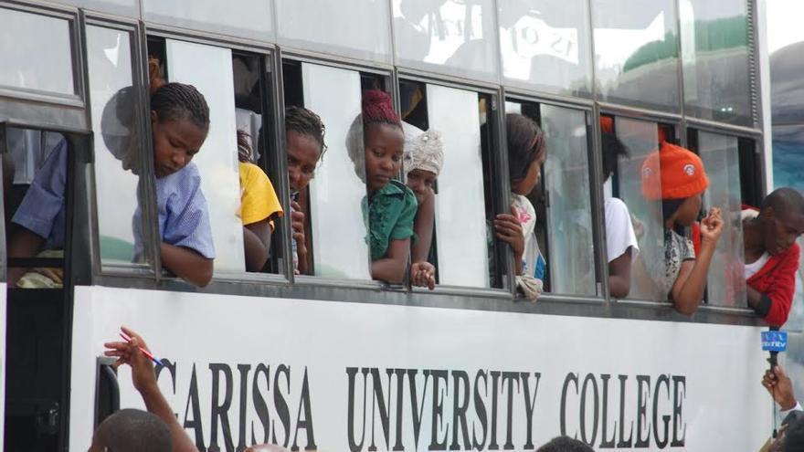 Los supervivientes abandonan Garissa mientras los ciudadanos les despiden