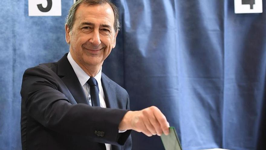 El alcalde de Milán formalizará su suspensión por su vinculación en un caso de corrupción