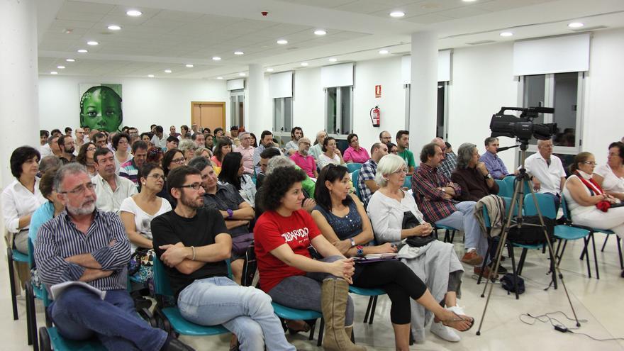 Asistentes a la asamblea constitutiva de 'Ganemos Jaén'