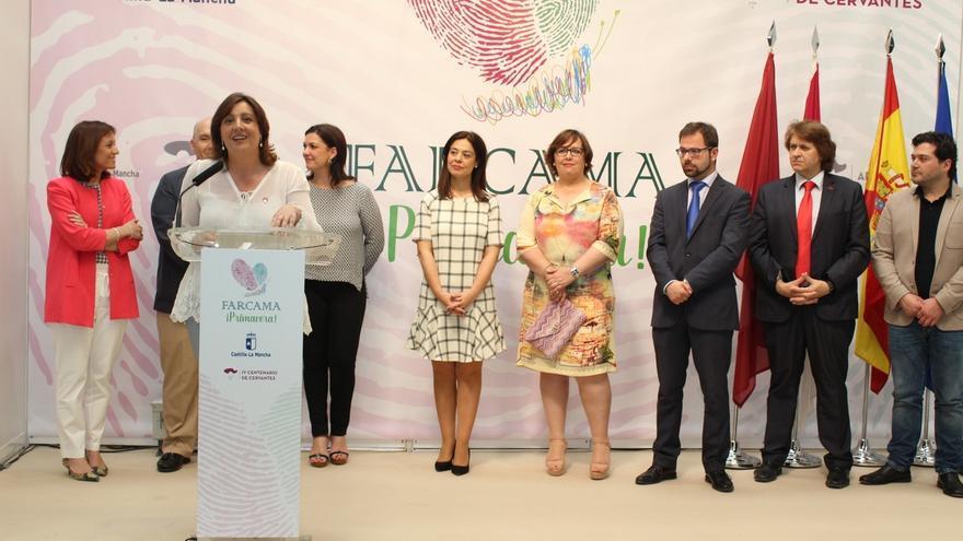 La consejera de Economía invita a los castellano-manchegos a disfrutar de Farcama Primavera hasta el próximo martes