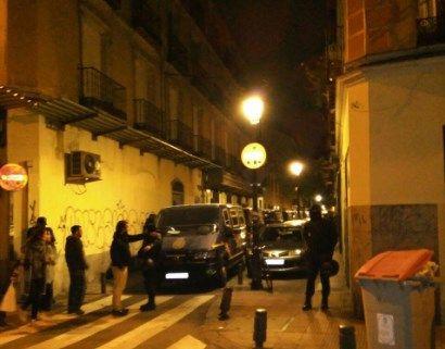 Furgonetas de la Policía Nacional, en el desalojo | PATIO MARAVILLAS