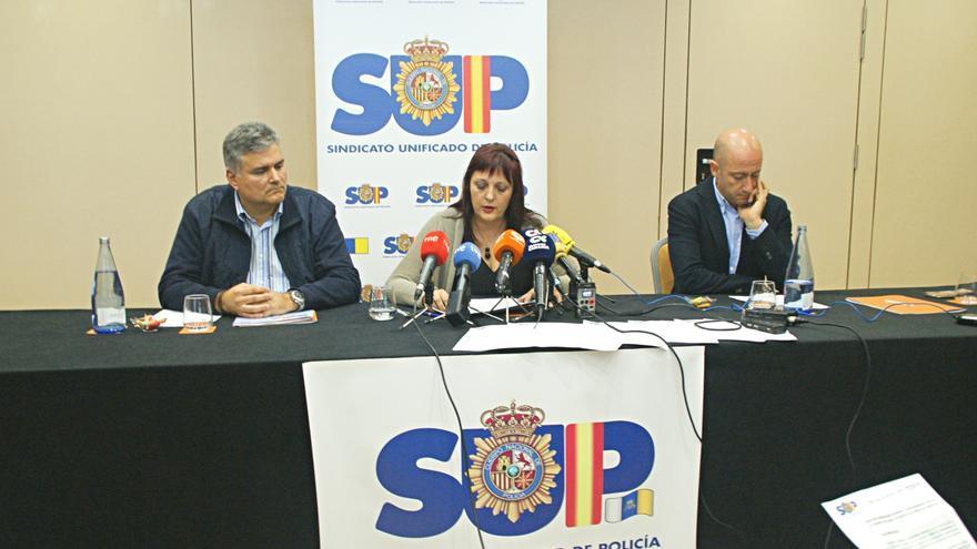 Mónica Gracia, durante la rueda de prensa ofrecida este martes en Tenerife