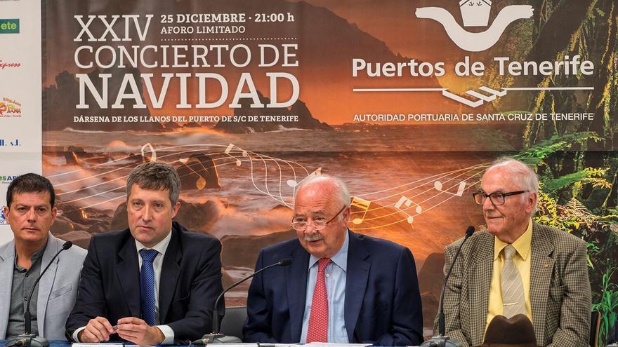 Momento de la presentación de este martes, con Ricardo Melchior y Elfidio Alonso, de Los Sabandeños