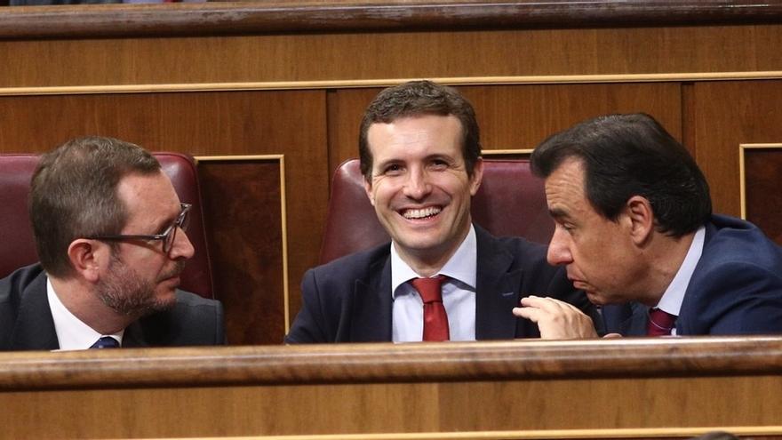 PSOE e IU bromean sobre la situación Casado tras elevar la juez el caso de máster al Tribunal Supremo