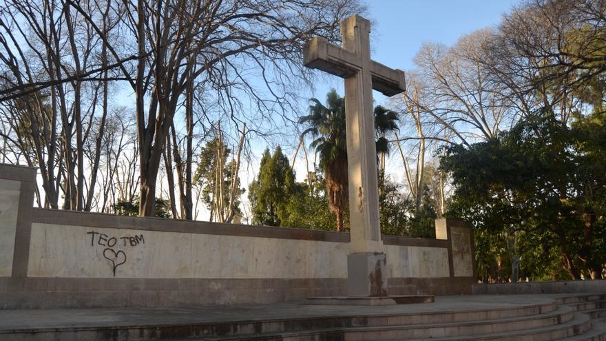 Cruz de los Caídos en el parque Ribalta de Castellón.