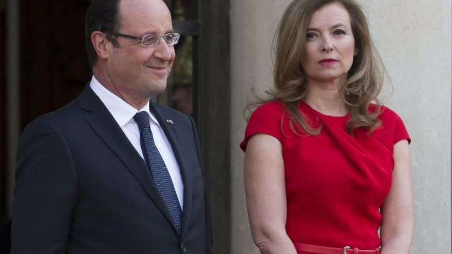 La compañera de Hollande, hospitalizada según un diario parisino