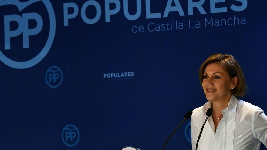 """Cospedal dice a Sánchez que apoyarse en los separatistas para gobernar le convierte en """"enemigo"""" del Estado de Derecho"""