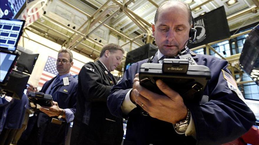Wall Street abre con ascensos y el Dow Jones avanza el 0,36 por ciento