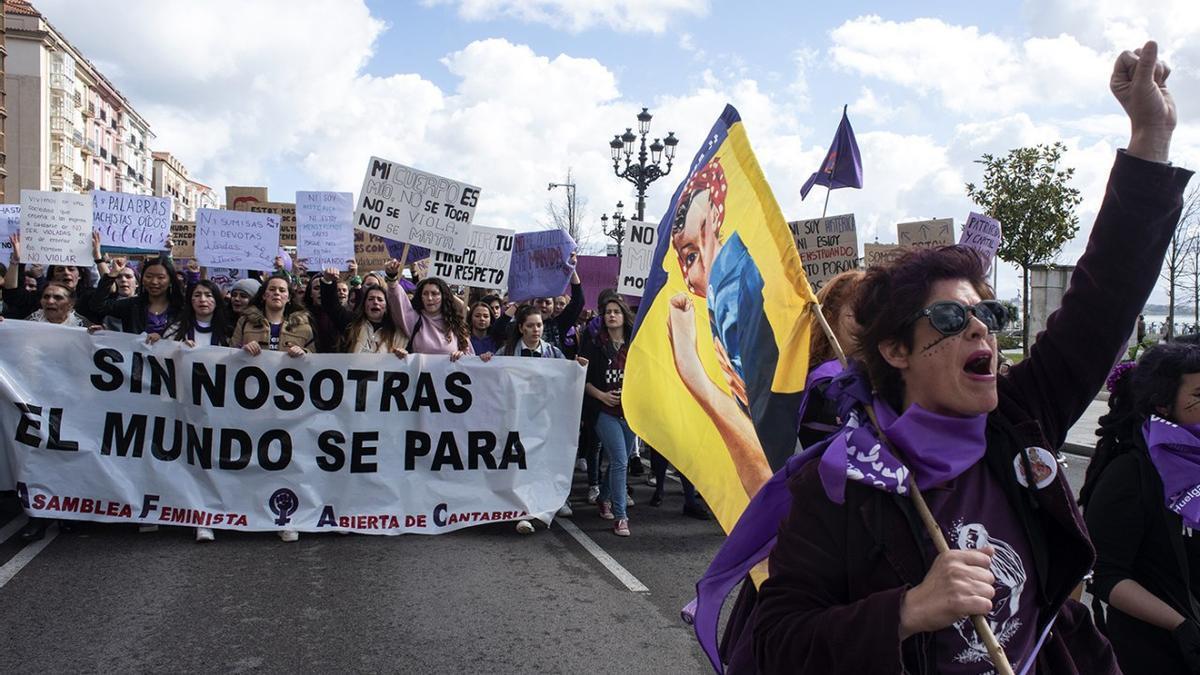 Manifestación feminista del 8M 2019 en Santander.