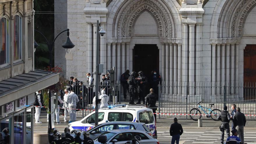 Tres muertos en un ataque con arma blanca en una iglesia de Niza, en Francia