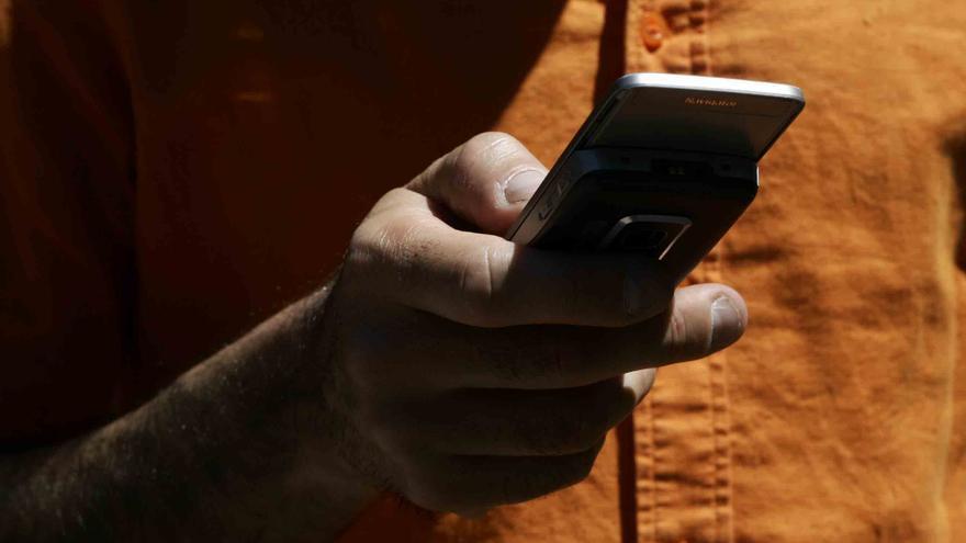 El Gobierno catalán llama a un uso racional del móvil durante la manifestación