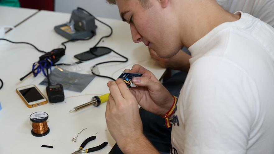 Los radioaficionados españoles se dividen entre la experimentación técnica, el apoyo a emergencias o las actividades en grupo (Imagen: Cedida por Pablo Fernández)