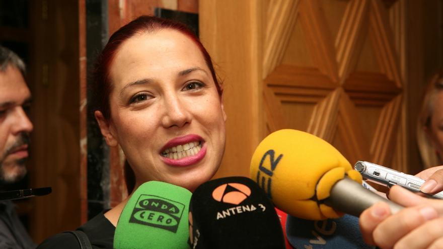 Patricia Hernández en la toma de posesión de Clavijo (ALEJANDRO RAMOS)