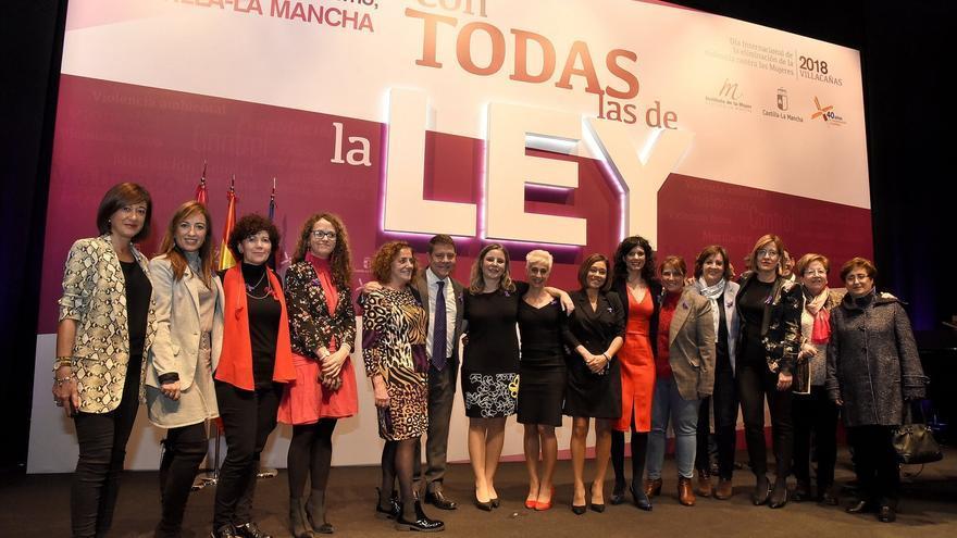 Acto institucional con motivo de la celebración del Día Internacional para la Eliminación de la Violencia contra las Mujeres