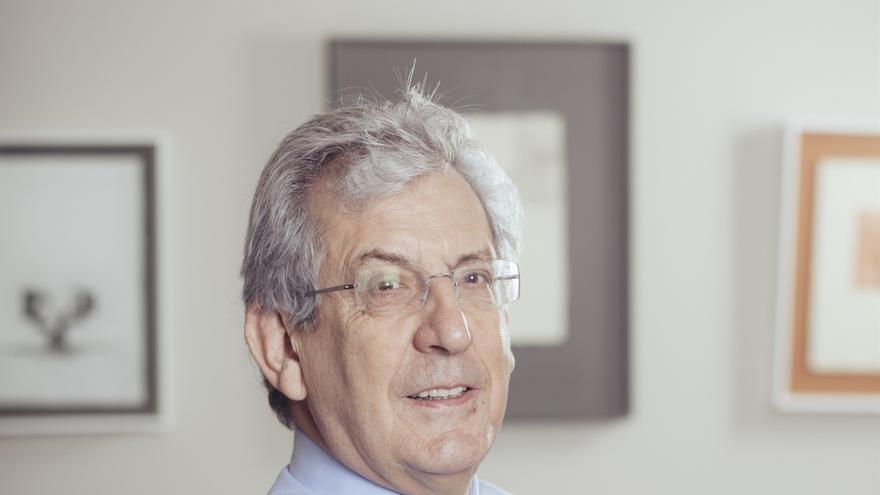 El físico Pedro Miguel Etxenike recoge este sábado la Medalla de Oro de Navarra