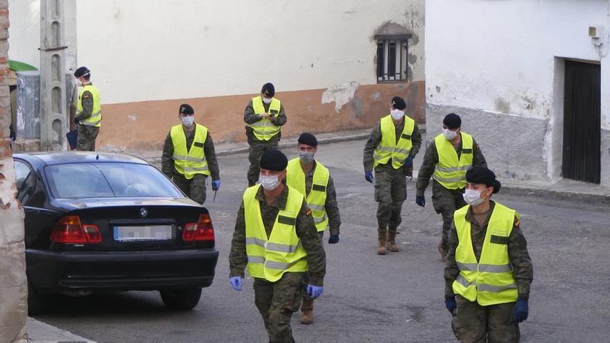 Efectivos de la BRIPAC recorren Aldea en Cabo (Toledo).