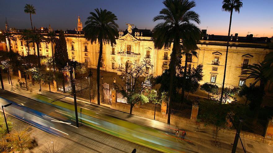 Fachada de la Antigua Real Fábrica de Tabacos de Sevilla.