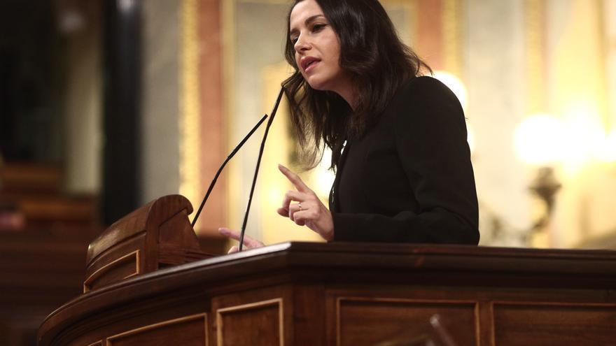 La presidenta de Ciudadanos, Inés Arrimadas, en la tribuna del Congreso de los Diputados.