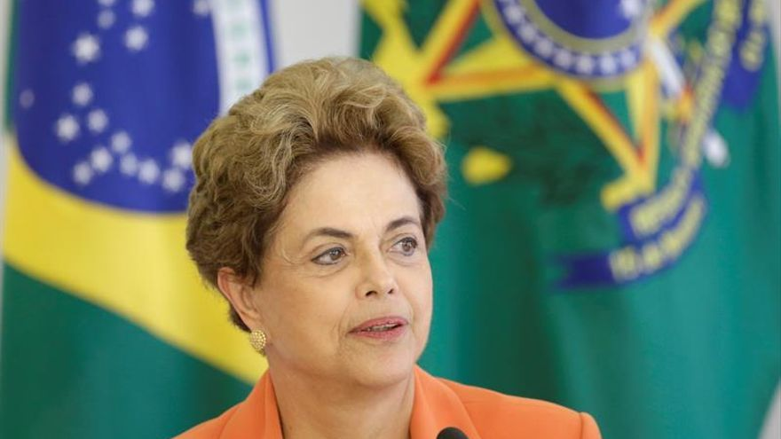 "Rousseff afirma que ""luchará"" ante un posible juicio político"