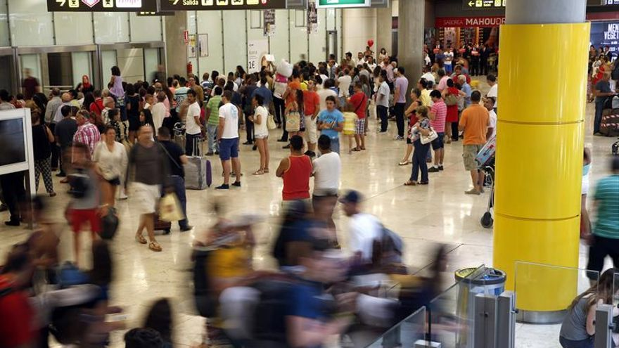 La Asociación de vigilantes de seguridad avisa de huelga en Barajas para octubre