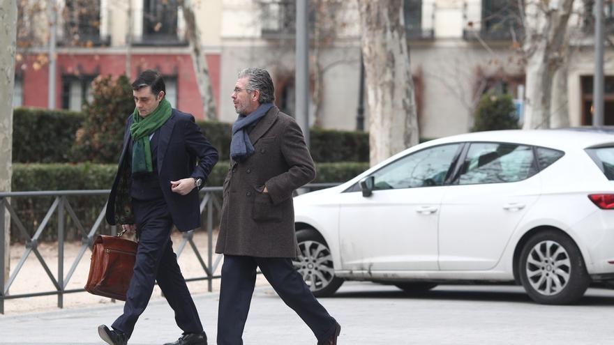 El juzgado admite a trámite la querella criminal de Cifuentes contra Granados y le cita a declarar el 12 de marzo