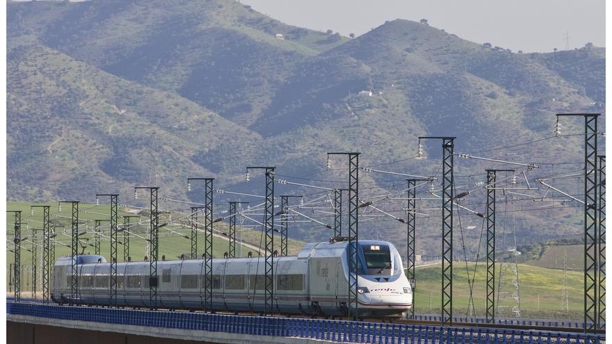 Renfe registra más de nueve millones de viajeros en los trenes que conectan Andalucía y Cataluña desde 2009