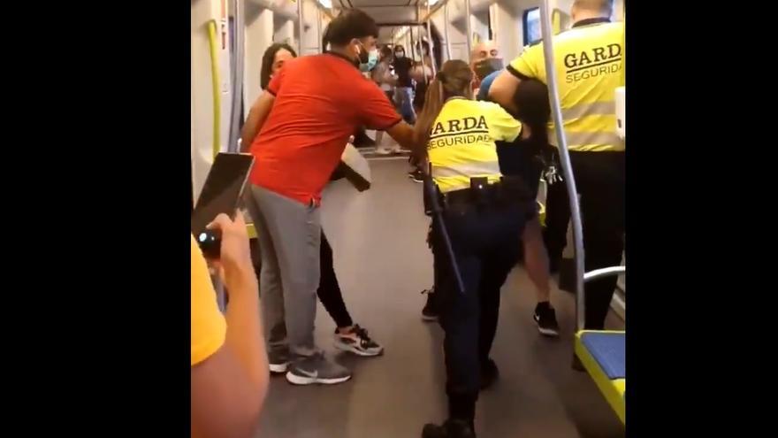 Imagen de la actuación en el metro de València.