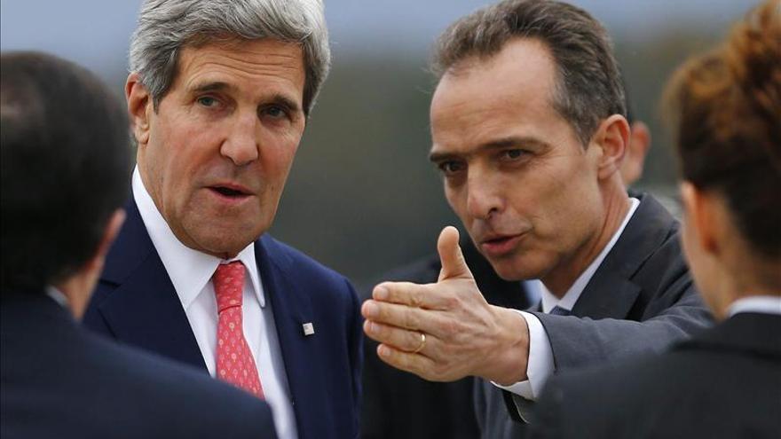 EEUU pide a Albania cooperación para destruir las armas químicas de Siria