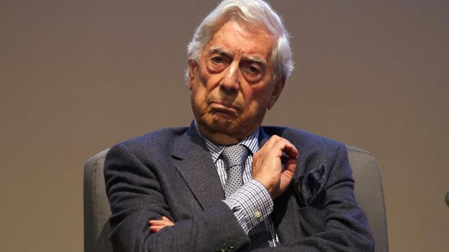 Vargas Llosa teme que México esté retrocediendo con López Obrador