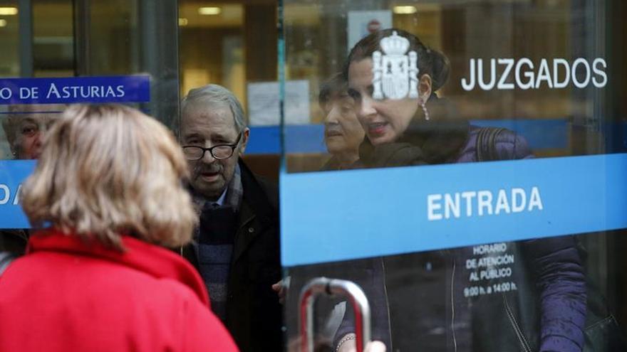 Fernández Villa niega ante la juez que se llevara dinero del SOMA-UGT