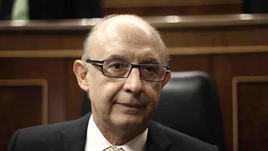 """BNG y Compromís apuntan al ministro Montoro por """"intentar salvar a la infanta"""" desde la Agencia Tributaria"""