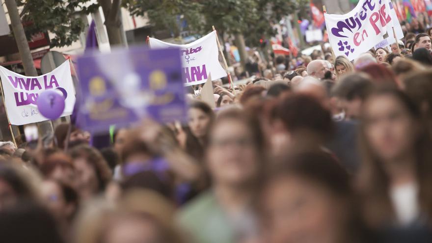 Muchas mujeres acudieron a la cita convocada por la Plataforma Feminista 8M