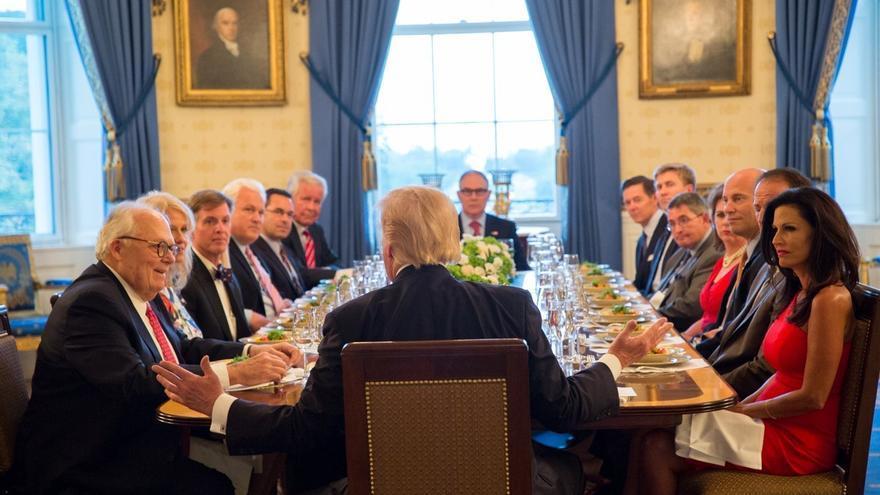 Trump, durante su reunión con líderes conservadores.
