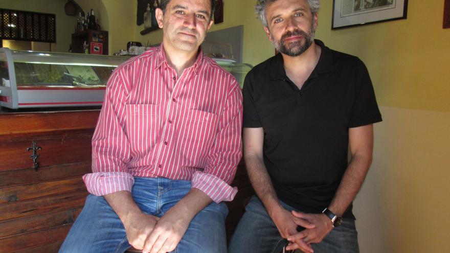Antonio Tabares y Pau Durà compartieron desayuno este lunes. Foto: LUZ RODRÍGUEZ.