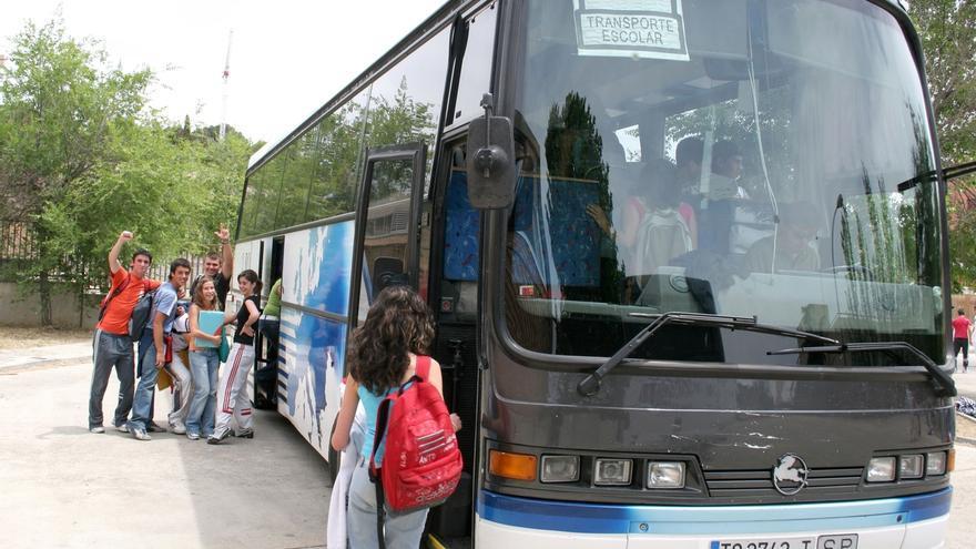 La Junta destina 10,7 millones al servicio de acompañantes de transporte escolar el próximo curso
