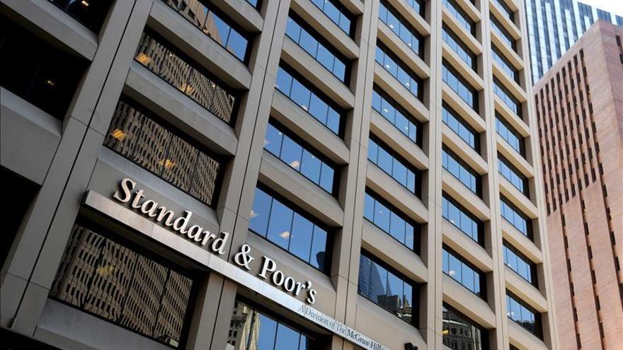 Standard and Poor's eleva la calificación crediticia de Perú a BBB+