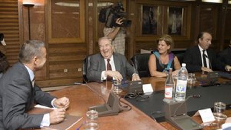 Paulino Rivero, con Jerónimo Saavedra y Miguel Zerolo. (ACN PRESS)