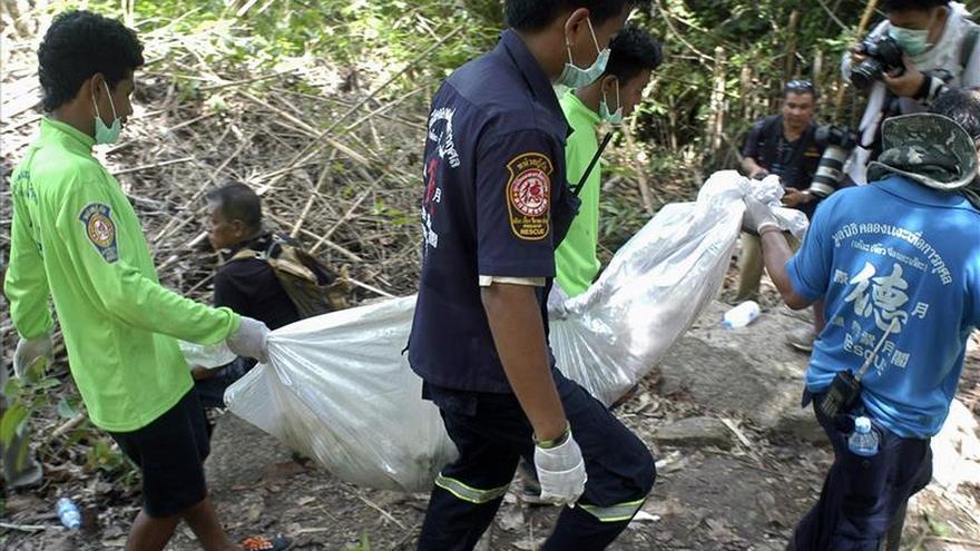 Hallan más tumbas en un segundo campo clandestino de inmigrantes en Tailandia