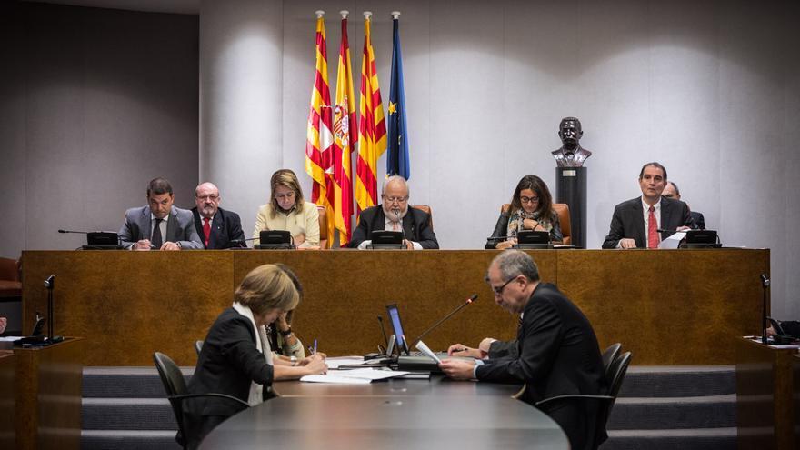 Pleno de la Diputación. / ENRIC CATALÀ