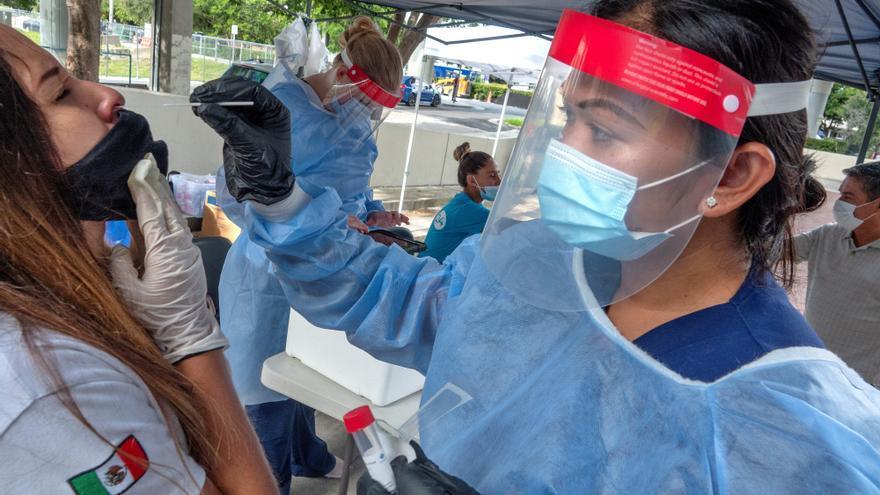 EE.UU. supera los 169.300 muertos y 5,3 millones de contagios por COVID-19